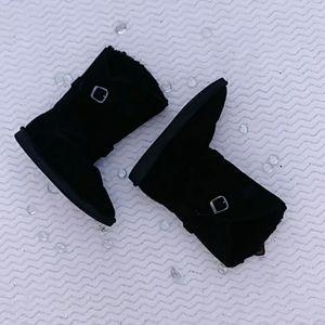 Black Bearpaw Winter Boots